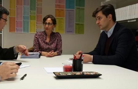 Señora Moriyón: Tres hojas y tres planos no son un proyecto.