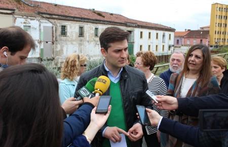 Alcanzaremos un acuerdo con la Autoridad Portuaria para lograr la titularidad municipal de los espacios de Poniente e integrarlos en Cimavilla