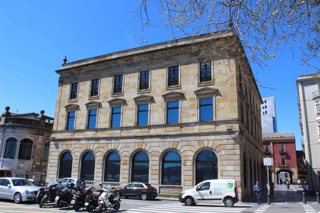 Ayuntamiento (detrás) 2
